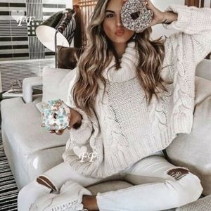 BOHO COZY CABLE TURTLENECK SWEATER